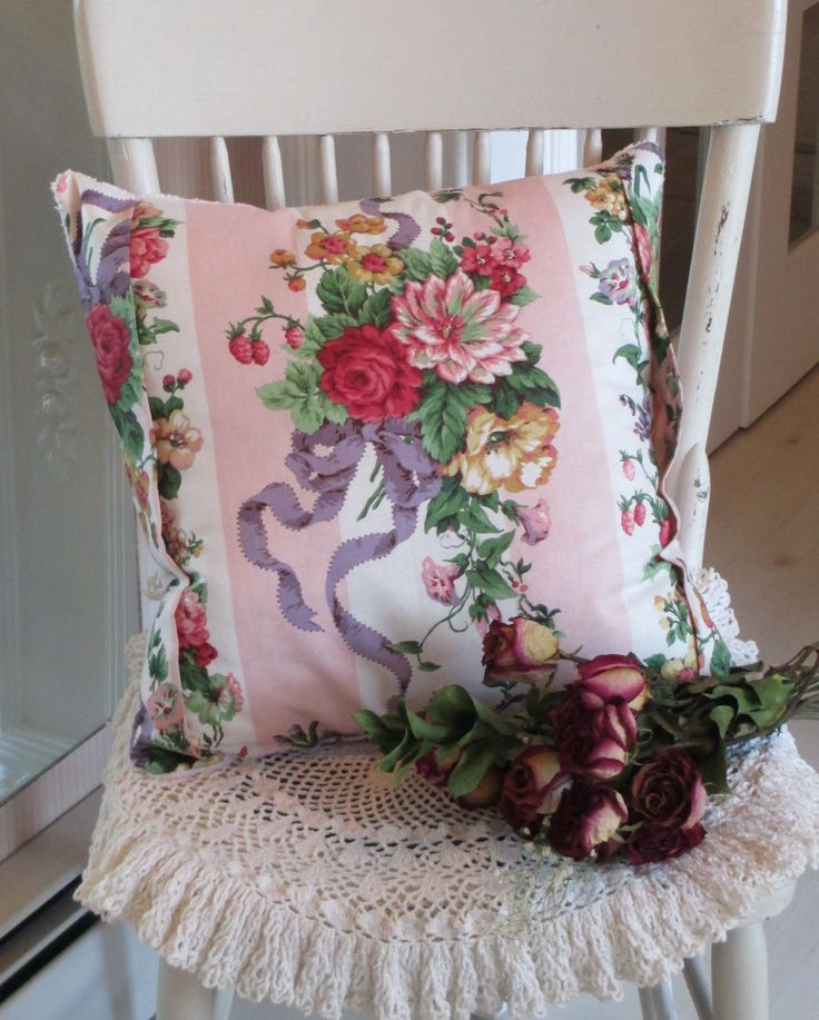 Shabby Chic Bed Pillows : Shabby Chic pillow Shabby chic pillows Pinterest