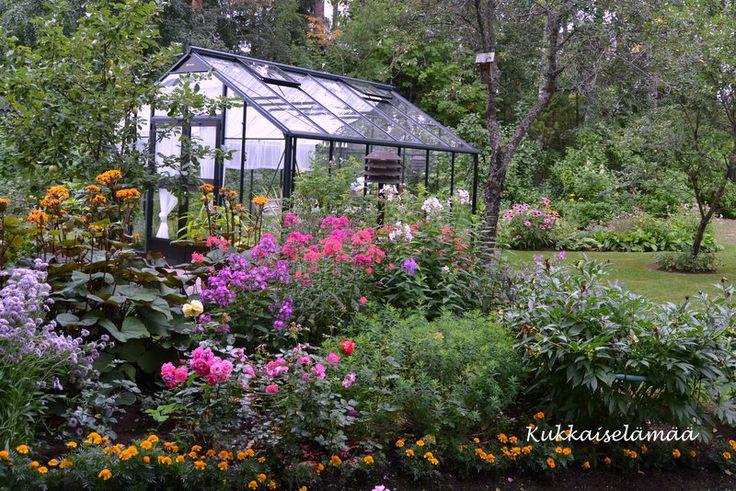 Kukkaiselämää - My Flowering Life http://myusualdailylife.blogspot.com