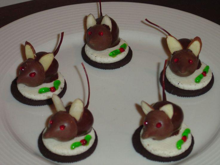 Christmas Mice - Christmas mice. Caramel Kisses on chocolate dipped ...