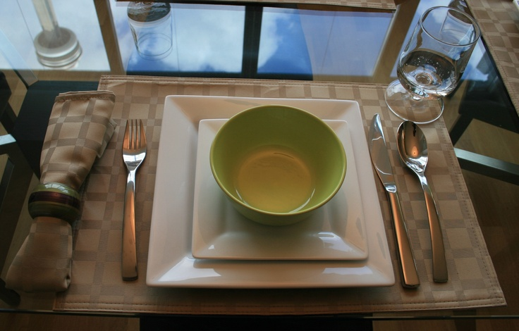 Table setting casual dining for the home pinterest for Casual dinner table setting ideas