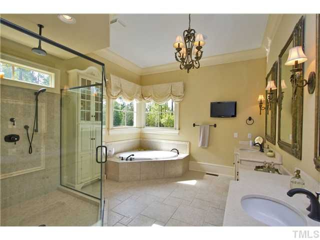 Romantic Master Bathroom Ideas | Valentine's Day Inspiration ...