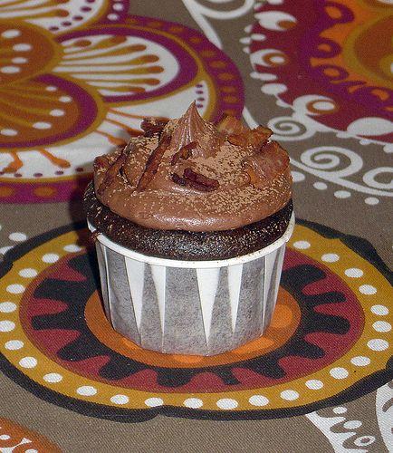 Dark chocolate bacon cupcakes-I'm pinning this for my roomie. Birthday ...