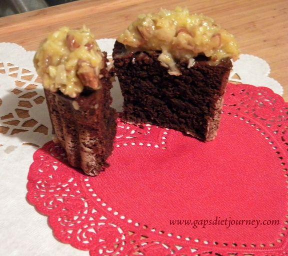 Coconut Pecan Frosting cupcakes (GAPS) (Grain-free, sugar free)