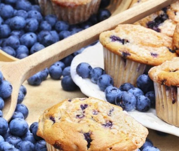 Very Berry Blueberry Muffins | diabetic recipes | Pinterest