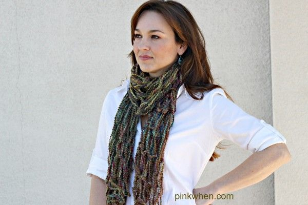 DIY Arm Knitting – Make an Infinity Scarf in 30 min with this tutorial