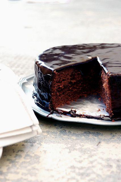 Sachertorte--Viennese Chocolate Cake - Recipe is here: http://www ...