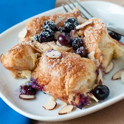 Gratin de Croissant with Blueberries and Almonds - A great brunch dish ...