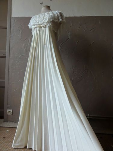 Robe de mariée vintage sur Ebay... ...  Robe de Mariée ...