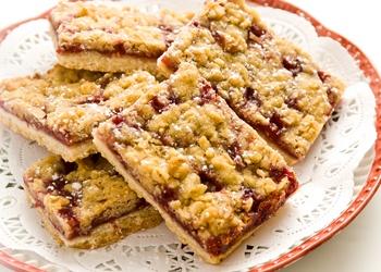 Raspberry Streusel Bars   yummy desserts   Pinterest