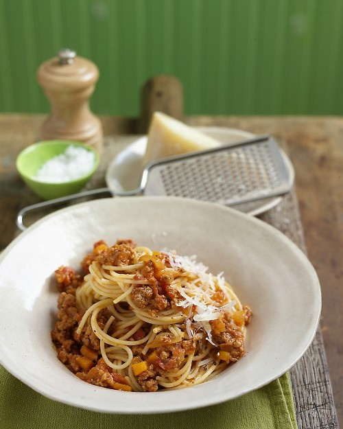 Spaghetti with Bolognese Sauce {served this with my homemade pasta ...