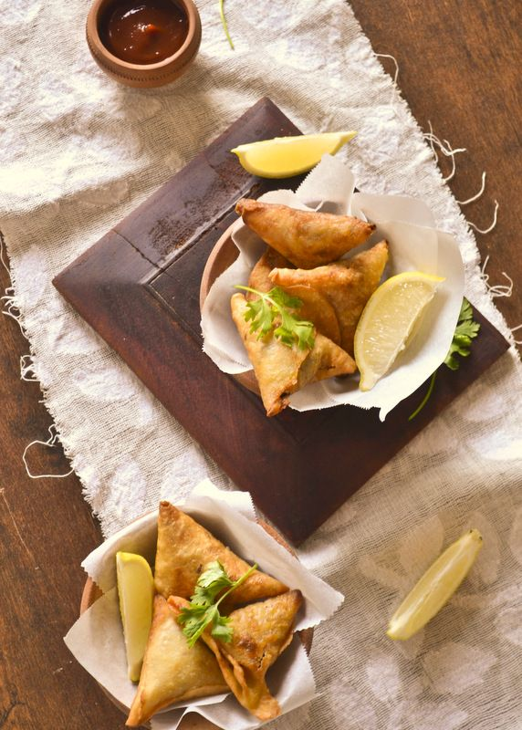 MEAT SAMOSA | kurryleaves. (With chicken instead of beef for me).