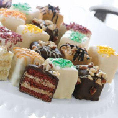 ... fondant or ganche http www wilton com recipe quick pour fondant icing