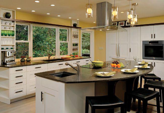 Love the curved breakfast bar kitchen pinterest for Half island kitchen