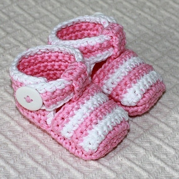 Crochet PATTERN pdf file  Striped Baby Sandals by monpetitviolon, $3.99