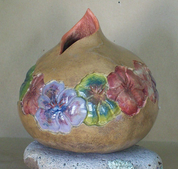 Decorative Gourd Vase-Flower Ring Carved in Bas Relief      From OuttameeGourd