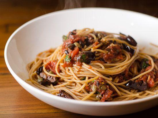 Spaghetti alla Puttanesca | Food | Pinterest