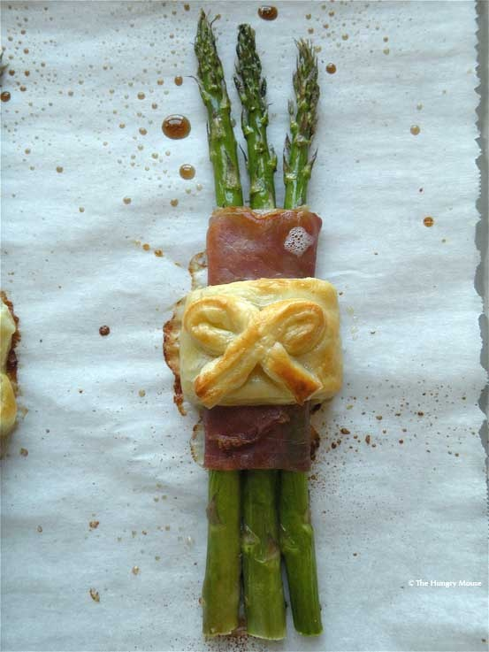 Prosciutto Wrapped Asparagus - check out how fancy... mine won't look ...