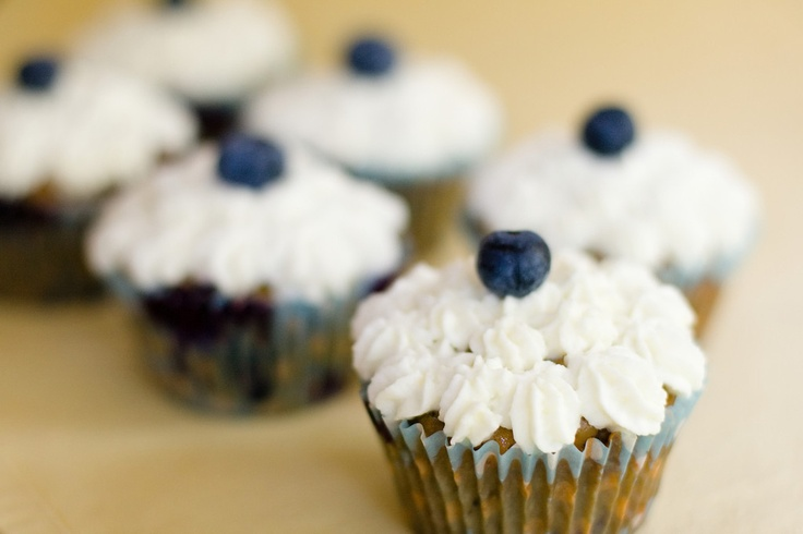 Blueberry Granola Chocolate Chunk Cupcakes on Paula Deen ~ Cupcake ...