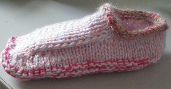 Non Felted Slippers | knitting | Pinterest: pinterest.com/pin/64176363413747810