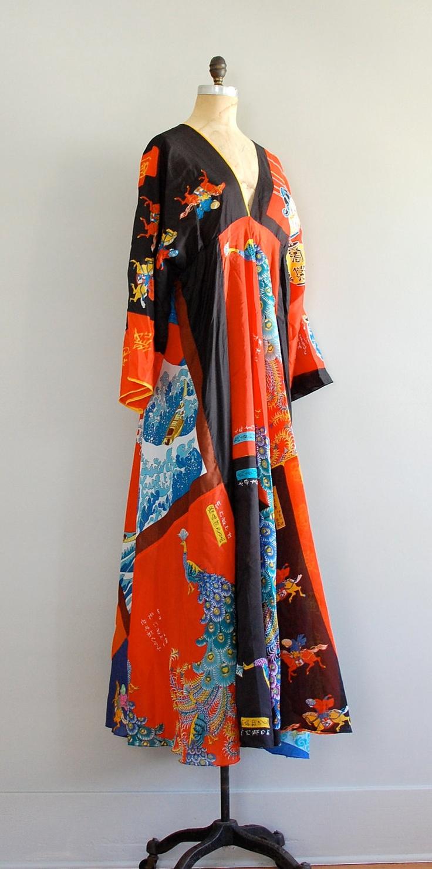 1970s caftan / silk floral caftan dress / Hokusai dress