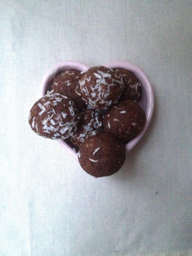 hazelnut cocoa truffles. #vegan | Vegan Rawness/ No-Bake | Pinterest