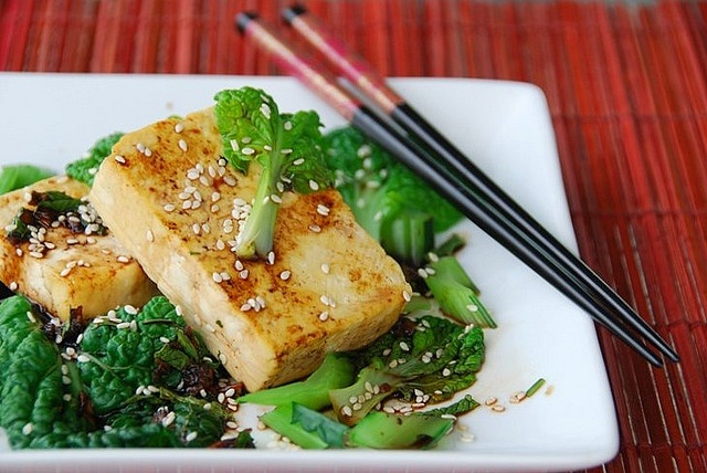 Gingery Sauteed Tat-Soi with Tofu Steaks - going to try with shrimp
