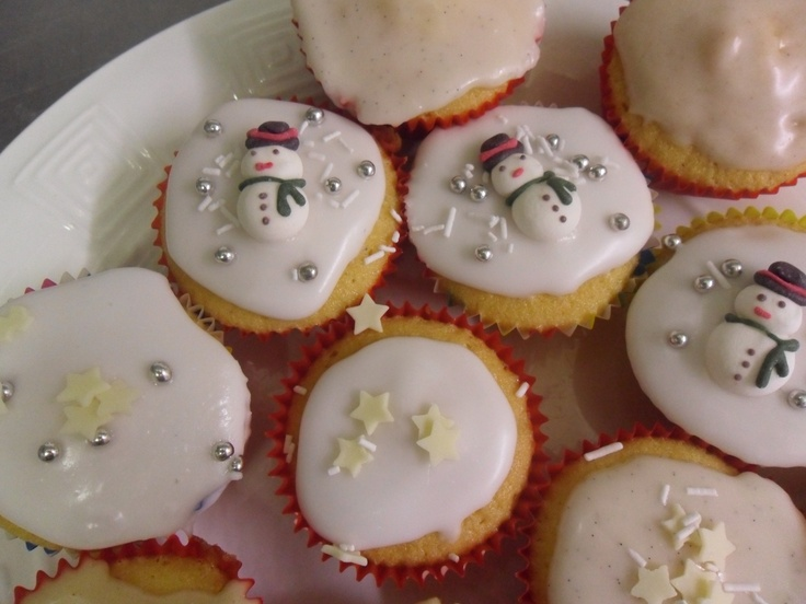 Christmas Fairy Cake Decorating Ideas : Christmas fairy cakes. Gotta love Christmas Pinterest
