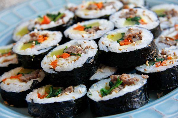 ... beef kimbap get the recipe http chefjulieyoon com 2011 12 beef kimbap