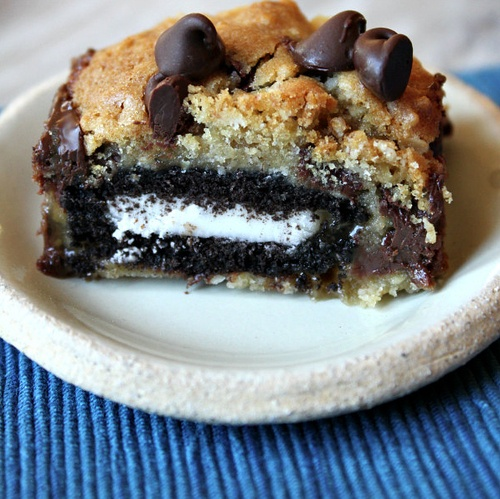 Oreo And Caramel Stuffed Chocolate Chip Cookie Bars Recipes ...