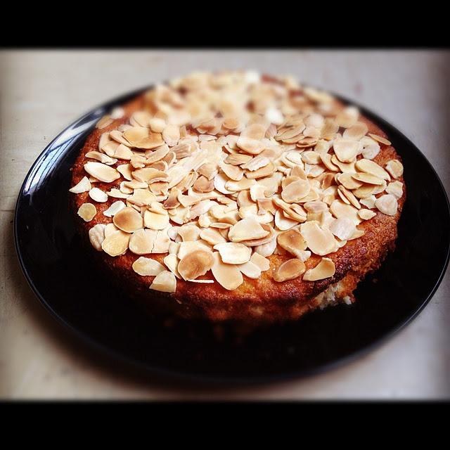 homemade rich ricotta almond cake | Joie de vivre | Pinterest