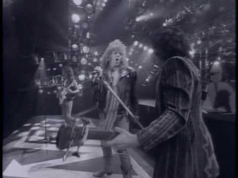 This song makes me fly... high! #np Bon Jovi- Living on a prayer