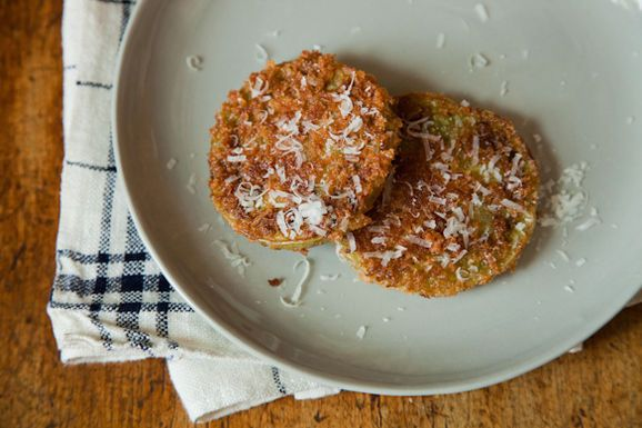 Fried Green Tomatoes with Panko and Parmesan - for a different flavor ...