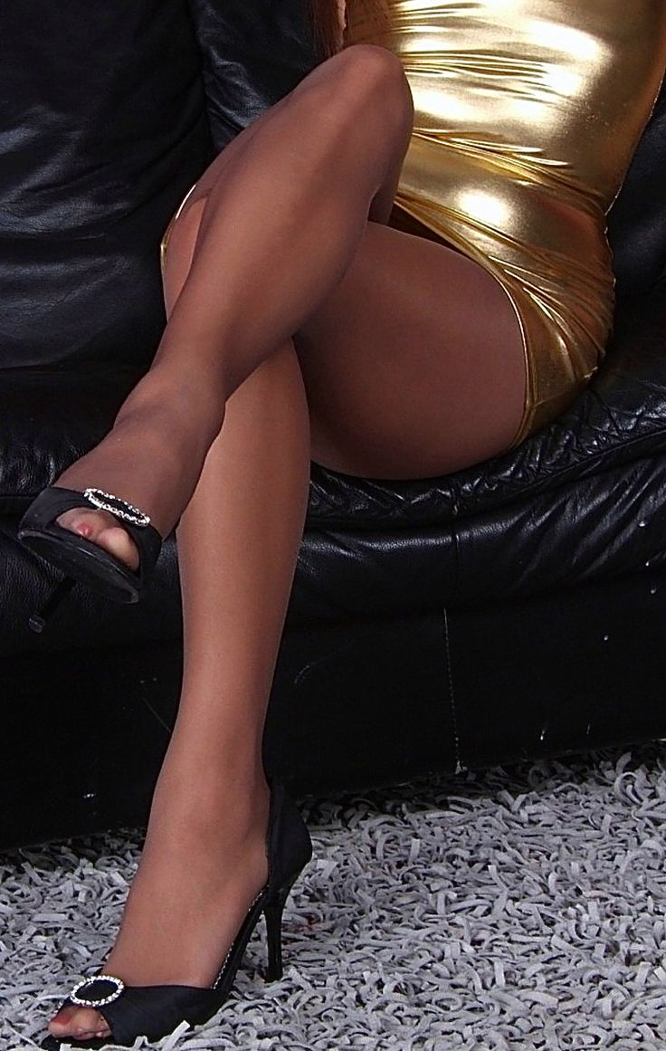 Open toe pantyhose march