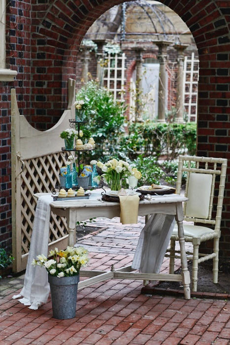 Again, I love alfresco dining and patios.