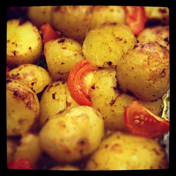 Crispy baked potatoes in a Tandoori marinade