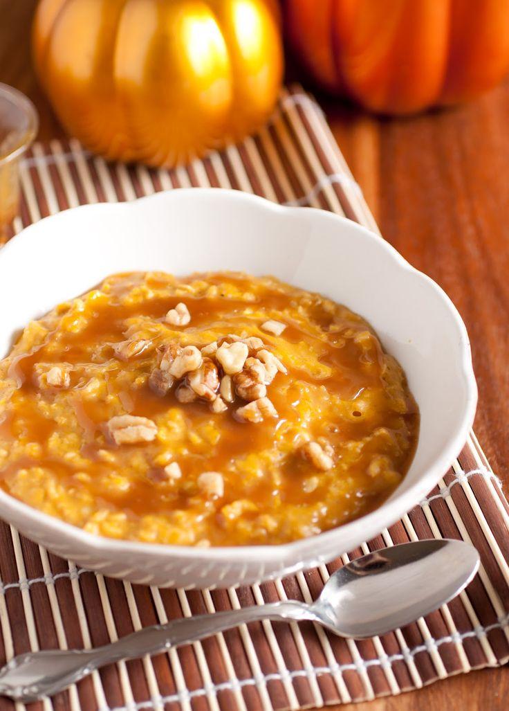 Pumpkin Pie Oatmeal with Caramel Sauce