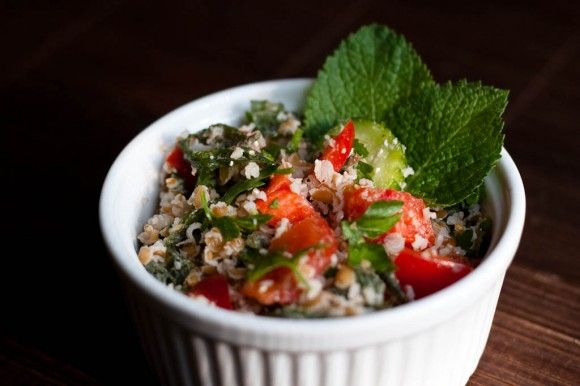 Tabbouleh a Middle Eastern Salad! look great.