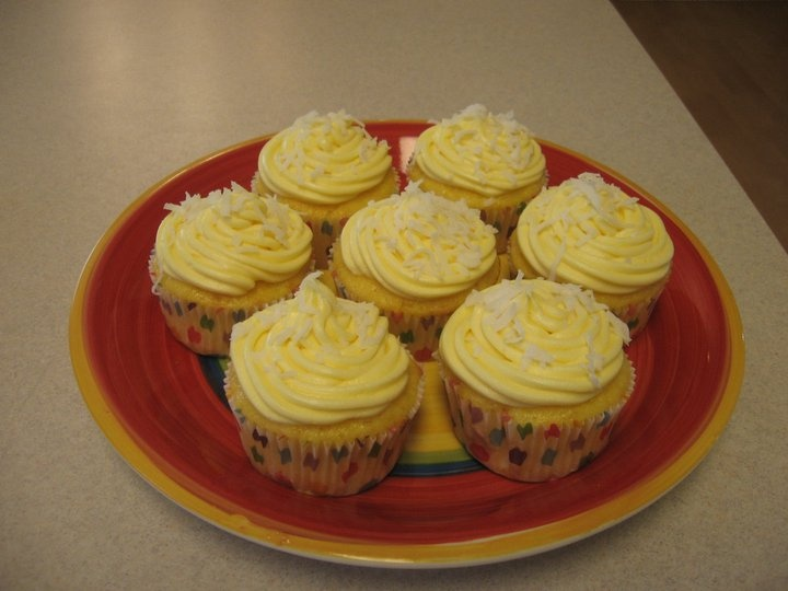 Food of Love: Pina Colada Cupcakes with Coconut Buttercream Frosting