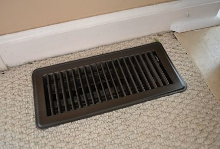 vent painted with krylon oil rubbed bronze spray paint all our vents. Black Bedroom Furniture Sets. Home Design Ideas