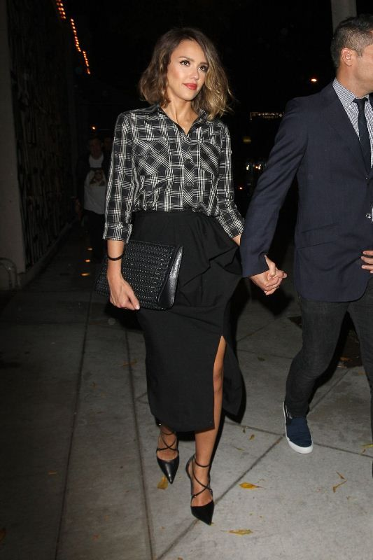 Jessica Alba Makes a Plaid Shirt Work for a Night Out recommend