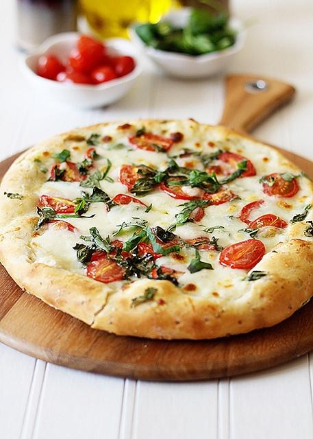 Tomato Basil Pizza. | Dinner Ideas | Pinterest
