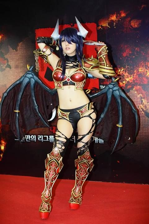 Queen of Pain in Korea   DotaTalkQueen Of Pain Dota 2 Cosplay