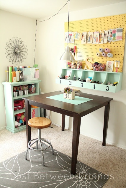 Such a cute craft room!
