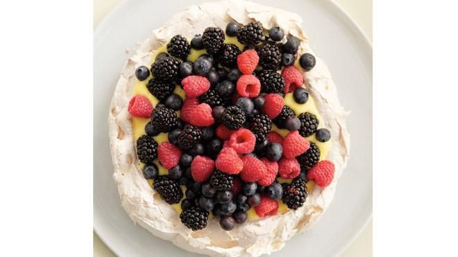 Pavlova with Lemon Curd and Berries | Recipe