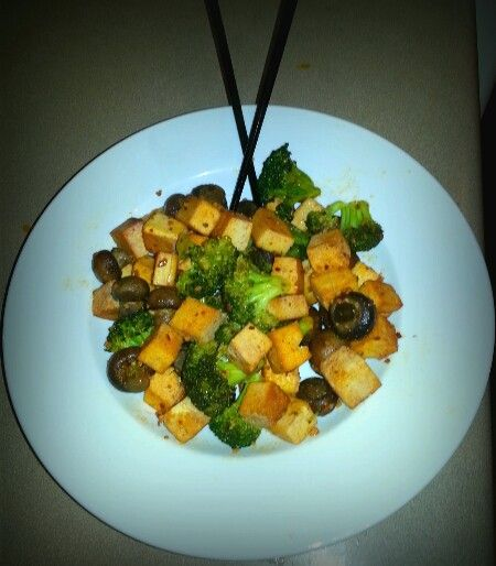 Sauteed button mushrooms, broccoli florets, garlic & tofu. ♣healthy ...