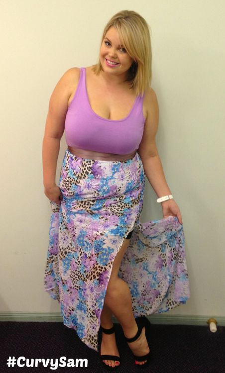 Celebrity tara reid boob
