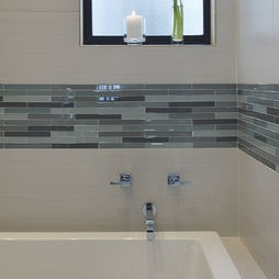 Subway Tile With Glass Tile Accents Bathroom Ideas Pinterest