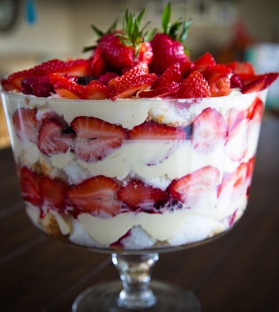 angel food berry trifle | Yum | Pinterest