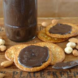 Chocolate Hazelnut & Almond Spread - a healthy nutella with almonds ...