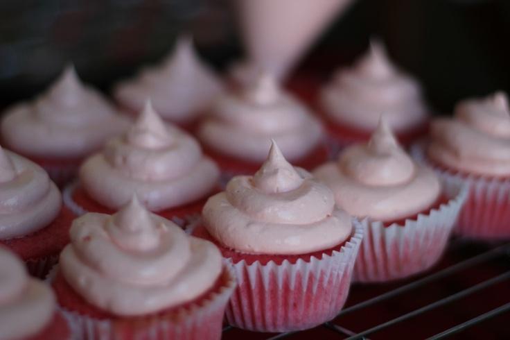 Sweetheart Strawberry Cupcakes   Yummy - Breakfast   Pinterest